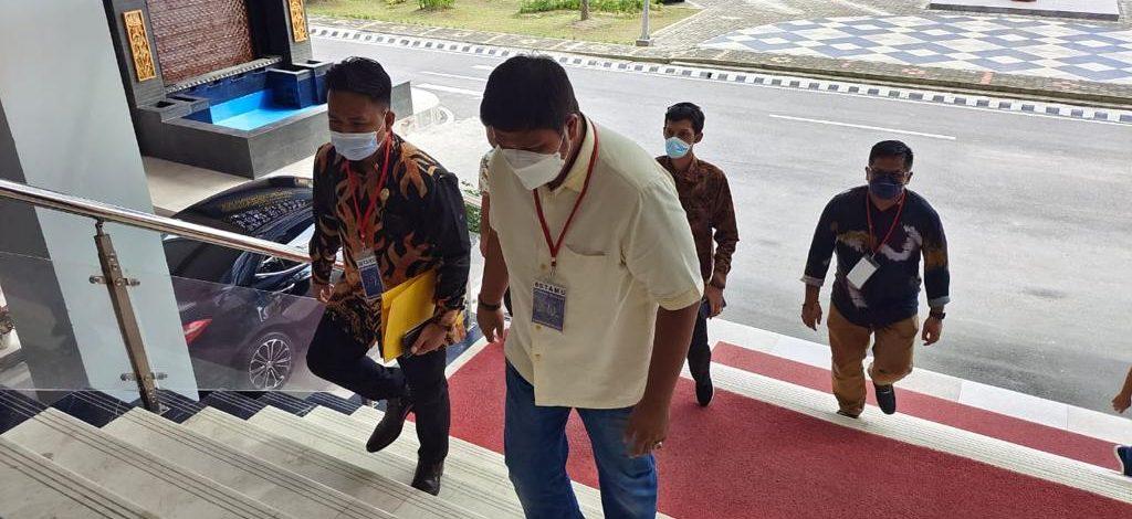 Andi Putra dan Hendra AP Laporkan Oknum Kajari dan Oknum Kasipidsus ke Kejati Riau