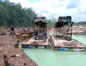Di Desa Kasang Limau Sundai, Tim Polres dan Polsek Kuantan Hilir Musnahkan Rakit PETI