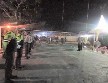 Sabtu Malam Tadi di Halaman Mapolsek Kuantan Tengah, Kapolres Pimpin Apel Konsolidasi Tim Patroli Gabungan Covid 19